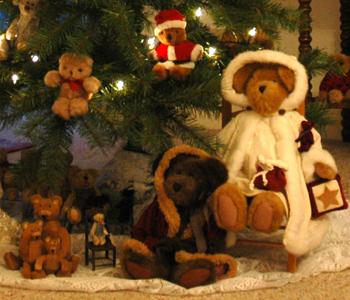 Fireflys Teddy Bear Tree detail