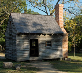 A cabin on Great Hopes Plantation in Colonial Williamsburg