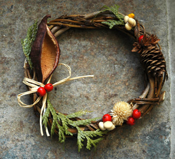 08dec08_wreath